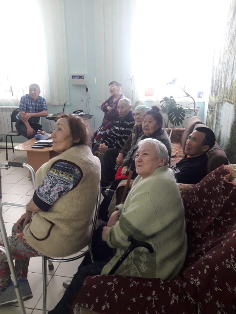 Показ фото про Среднеколымск в разные годы